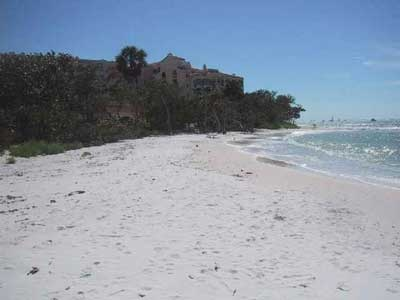 Hideaway picture 8 - beach view 3